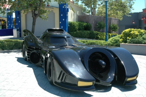 Batmobile in DC Universe