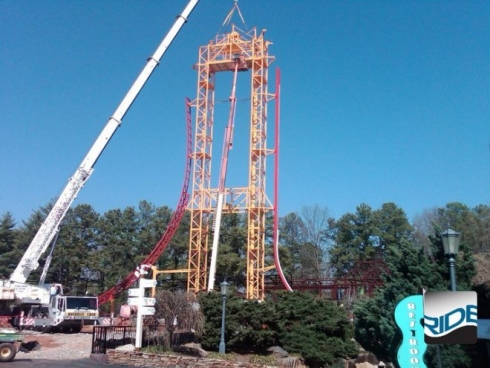 Dare Devil Dive lift hill construction image