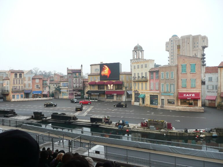 Lights Motors Action Stunt Show Spectacular (1)