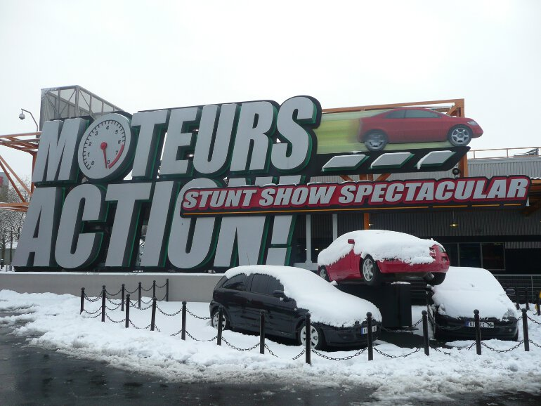 Lights Motors Action Stunt Show Spectacular (2)
