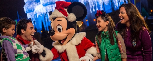 Mickey's Very Merry Christmas Party (1)