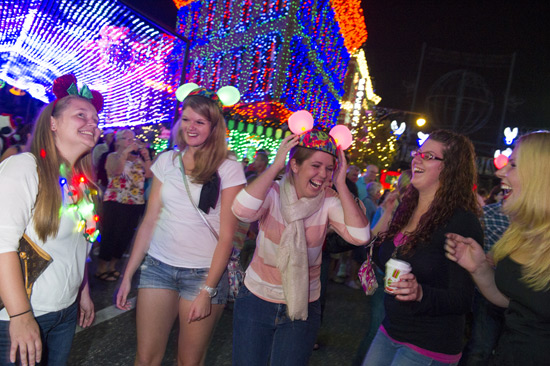 Osborne Family Spectacle of Dancing Lights (3)