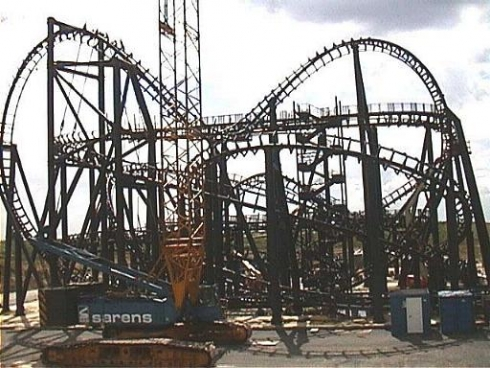 Rock 'n' Roller Coaster construction