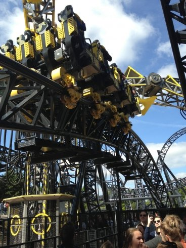 The Smiler queue line