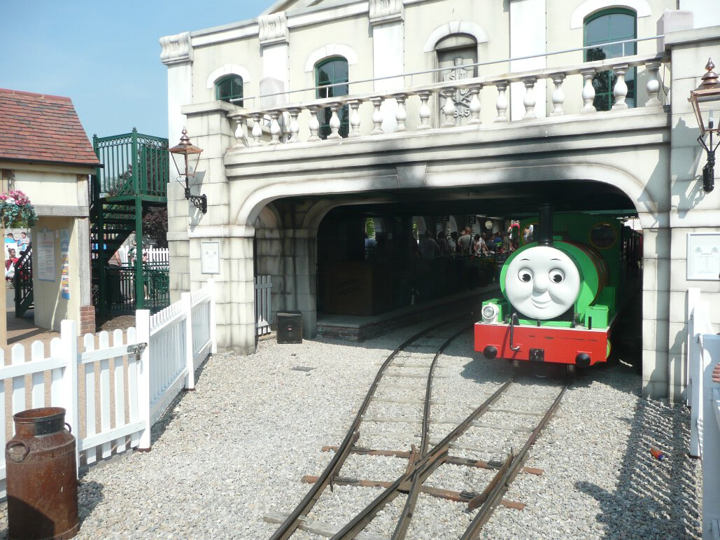 Thomas Land at Drayton Manor (1)