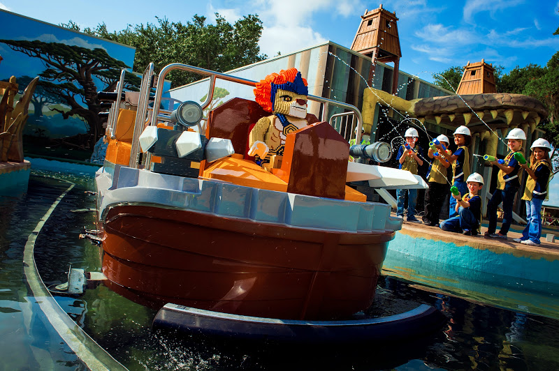 World of Chima boat