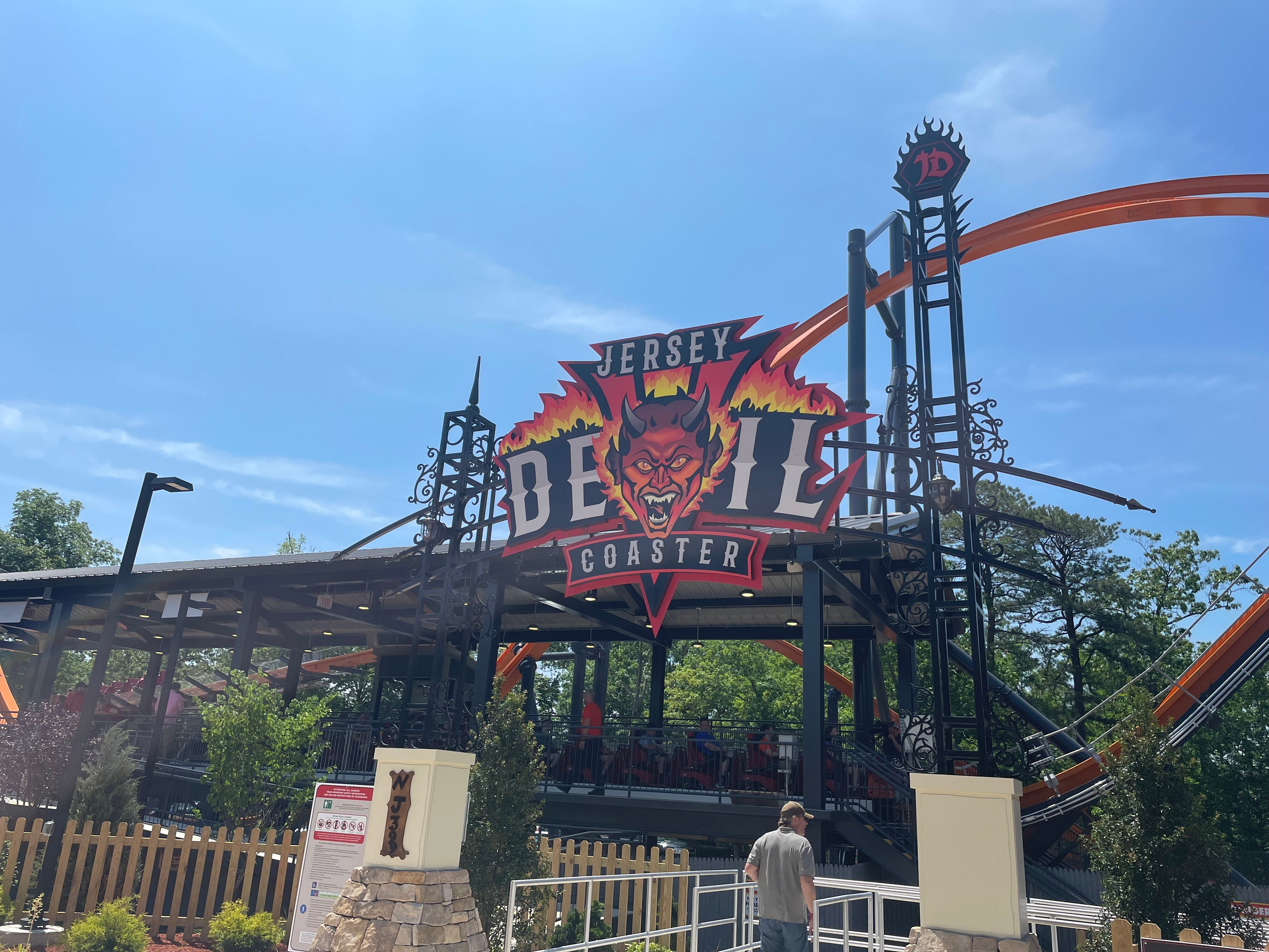 Review Jersey Devil Coaster The World S Tallest Fastest Longest Single Rail Coaster Page 1