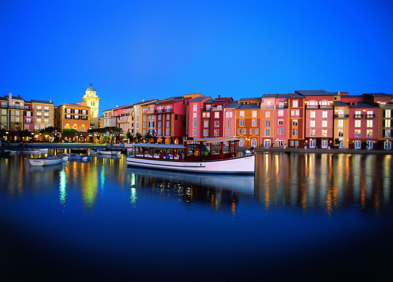Portofino Bay, Disney