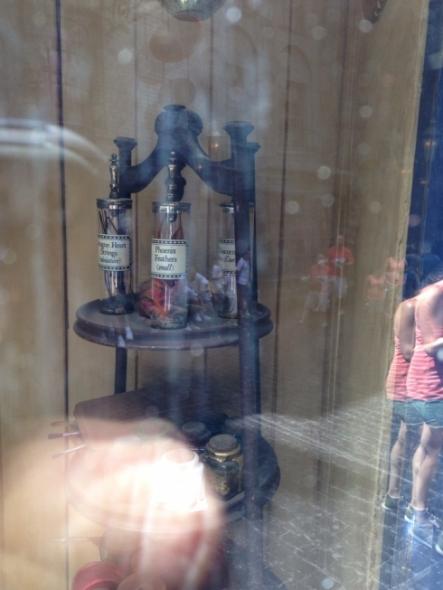 Ollivanders window