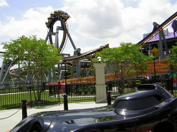 Batman the Ride was relocated. Image - Chris Hagerman, Wikimedia Commons