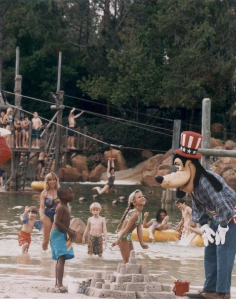 Goofy at River Country