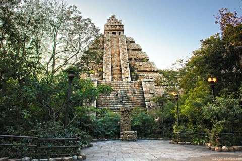 Indiana Jones Adventure: Temple of the Crystal Skull
