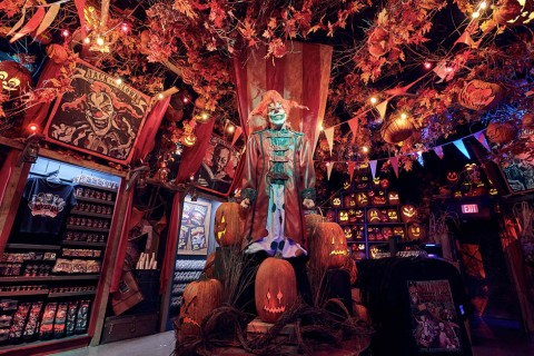 Halloween Horror Nights Store