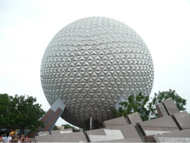 Epcot, Spaceship Earth