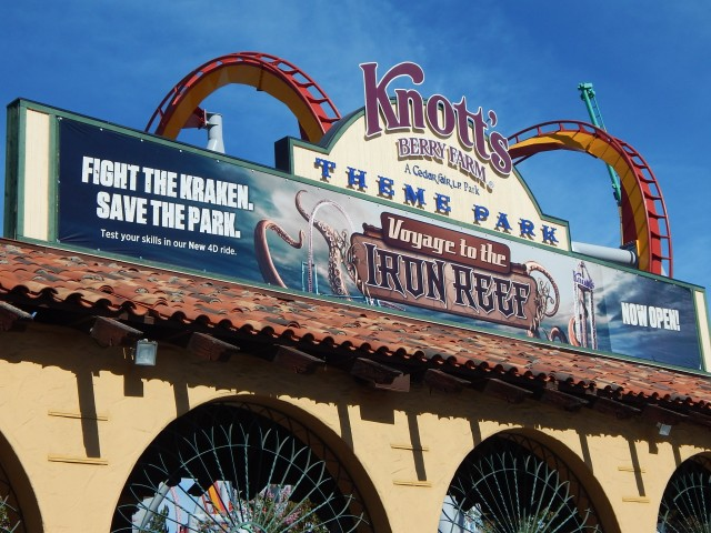 Knott's Berry Farm. Theme Park Tourist